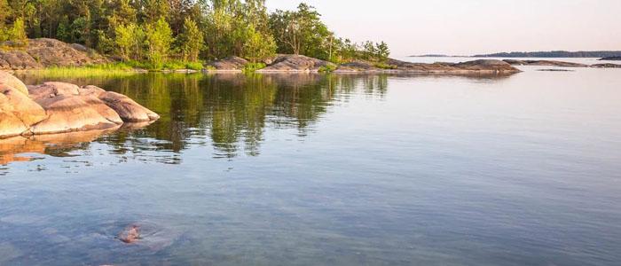 Järvien rannoilla on kesäisin elämää